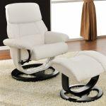 Que choisir entre un fauteuil relax manuel et un fauteuil relax électrique ?